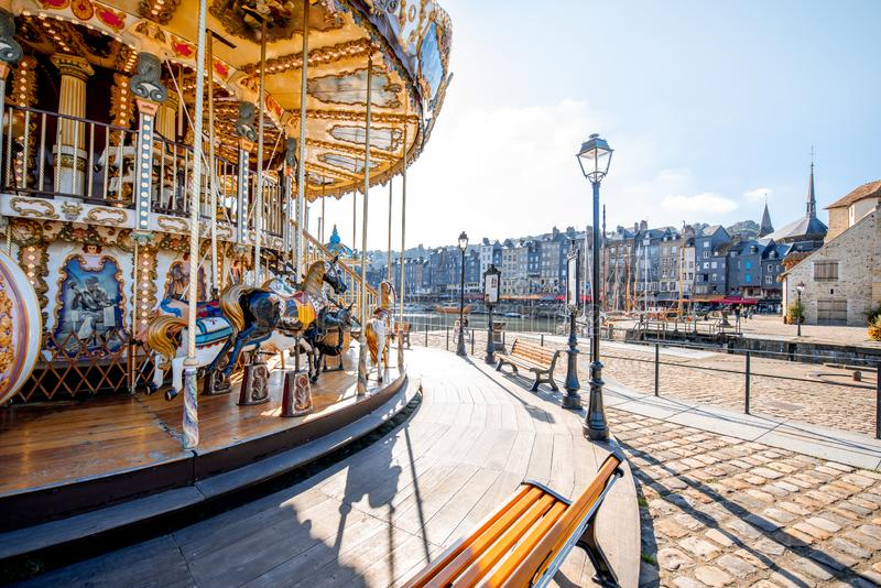 Carousel в городке Honfleur, Франции стоковые изображения rf