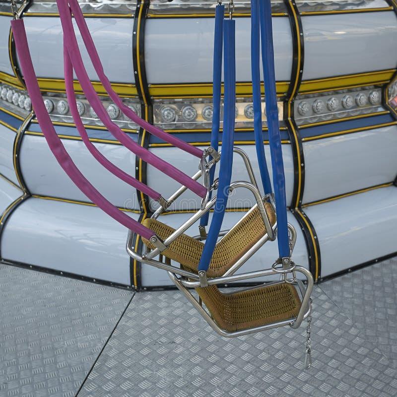 Carousel в парке атракционов стоковые изображения rf