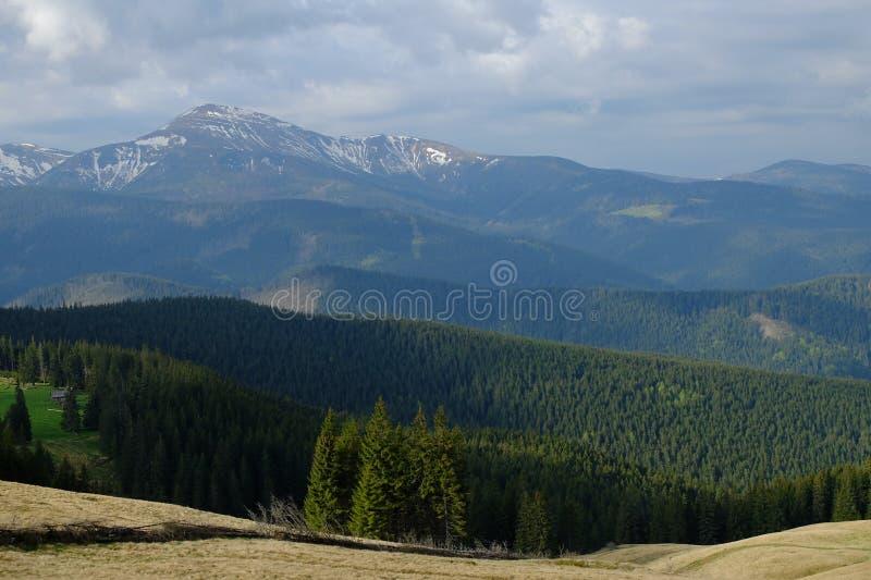 Download Carpathians стоковое изображение. изображение насчитывающей нажатие - 40582493