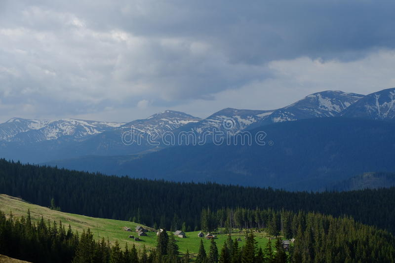 Download Carpathians стоковое фото. изображение насчитывающей carpathians - 40582498