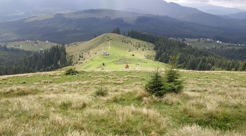 Carpathians ensolarados imagem de stock royalty free
