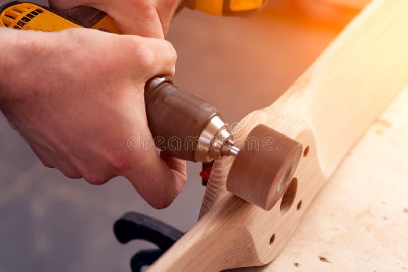 carpentiere del costruttore del giovane immagini stock libere da diritti