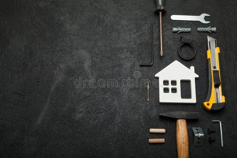 A carpintaria da casa, faz-se Conceito do artesão, espaço da cópia para o texto foto de stock