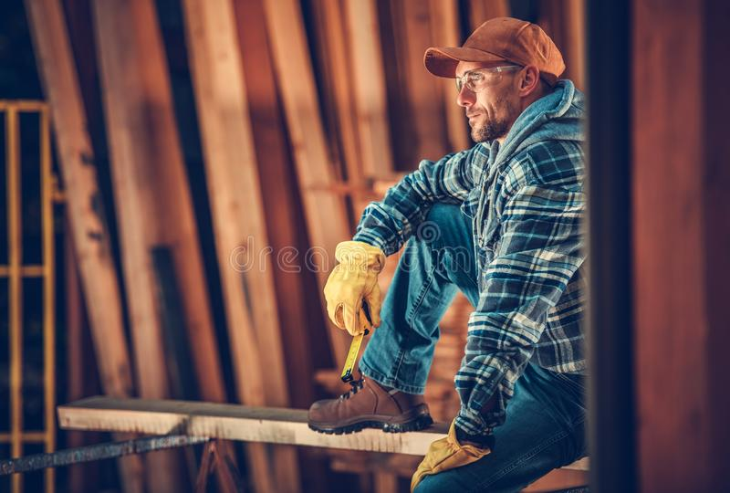 Carpinteiro caucasiano Portrait imagens de stock