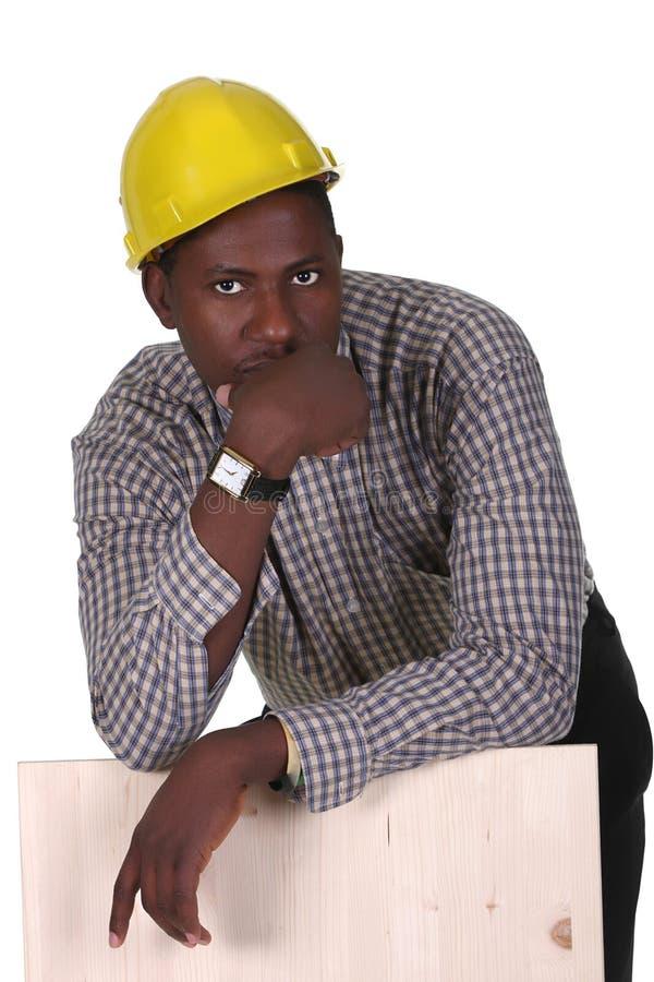 Carpintero joven del afroamericano imagen de archivo
