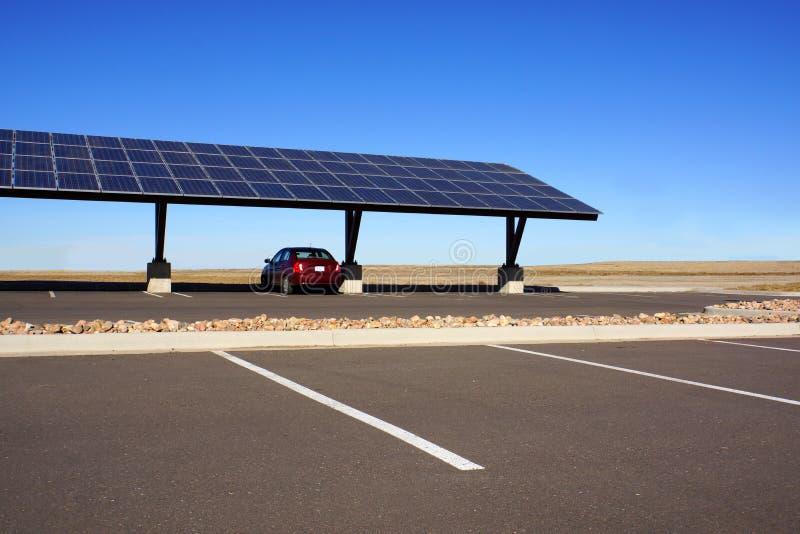 Carport solare fotografia stock libera da diritti
