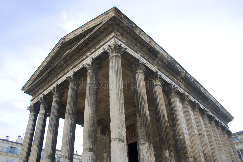 Carr ρωμαϊκός ναός της Γαλλίας Maison Νιμ Στοκ φωτογραφία με δικαίωμα ελεύθερης χρήσης
