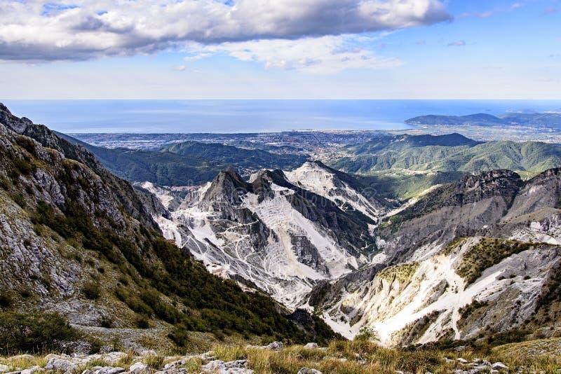 Carrara-Marmorsteinbr?che stockbild
