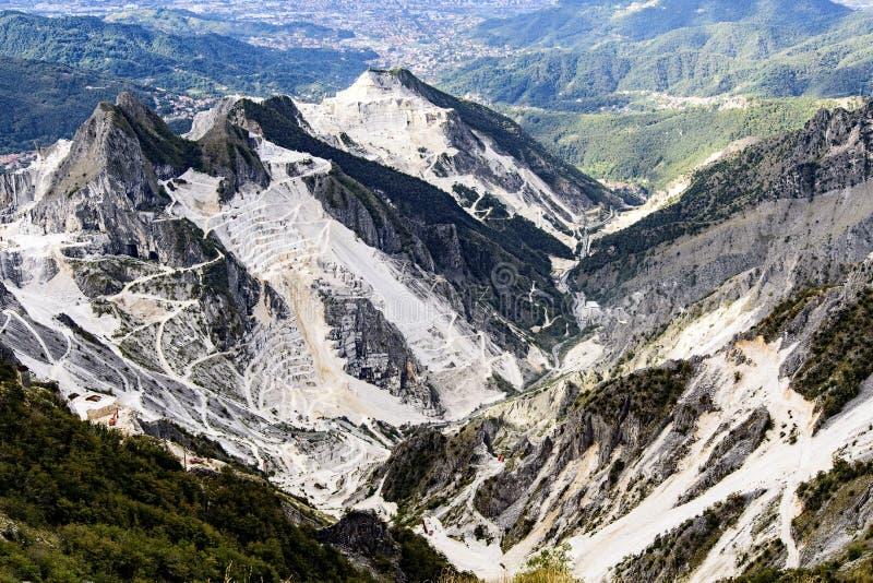 Carrara-Marmorsteinbr?che stockfoto