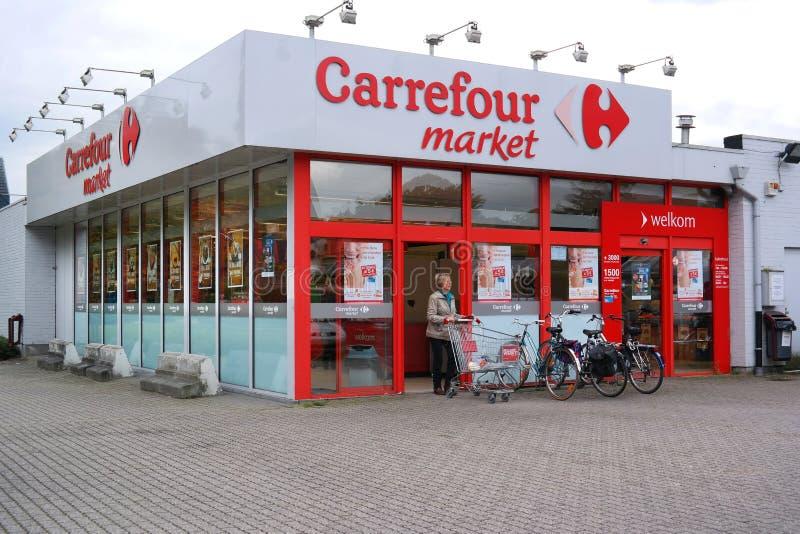 Carrefourmarknad i Belgien fotografering för bildbyråer