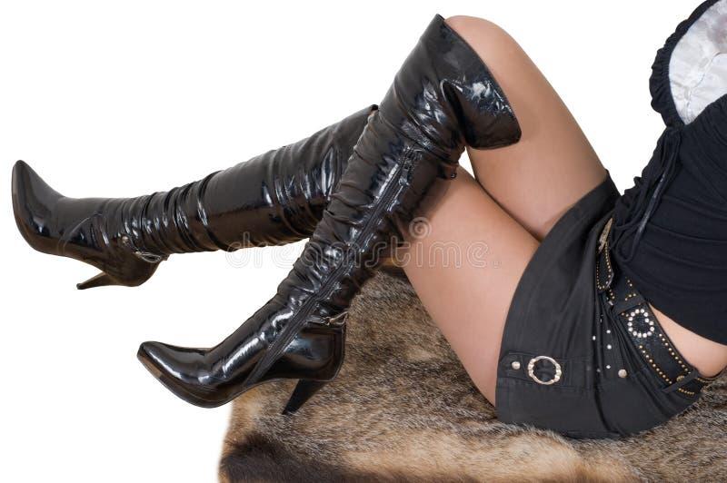 Carregadores de couro pretos 'sexy' do estilete fotografia de stock