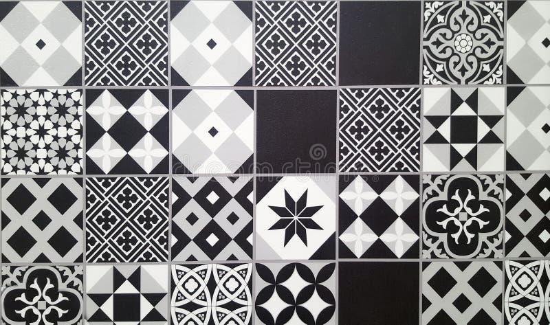 Carrelage en céramique traditionnel noir et blanc photo libre de droits