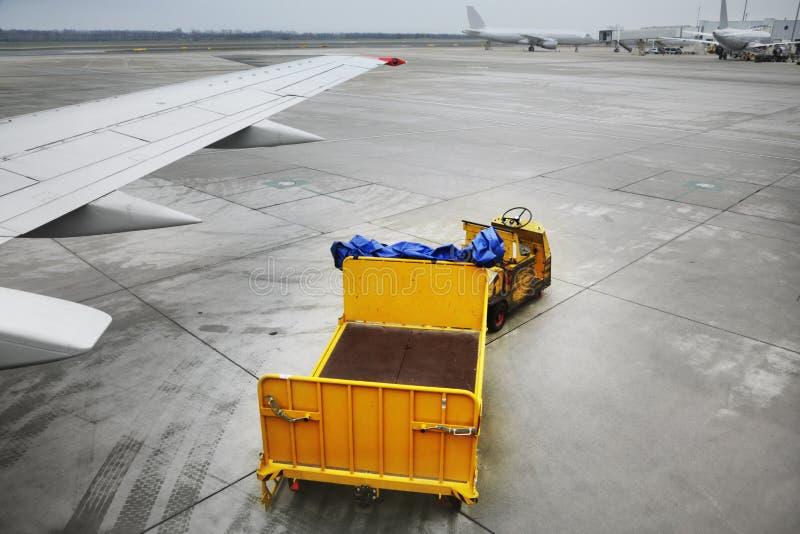 Carrelli del bagaglio immagine stock libera da diritti