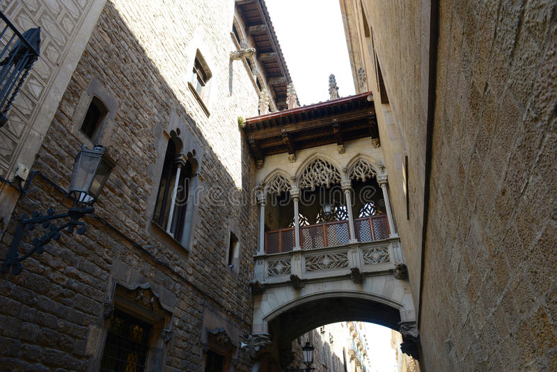 Carrer del Bisbe Irurita,巴塞罗那耶路撒冷旧城,西班牙 免版税库存照片
