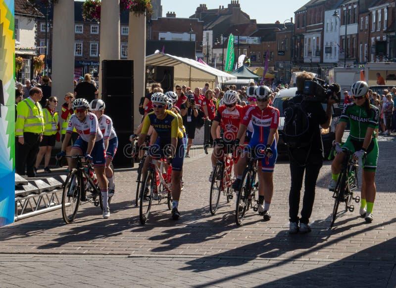 Carrera de mujeres de Yorkshire Para-Cycling International B imagenes de archivo