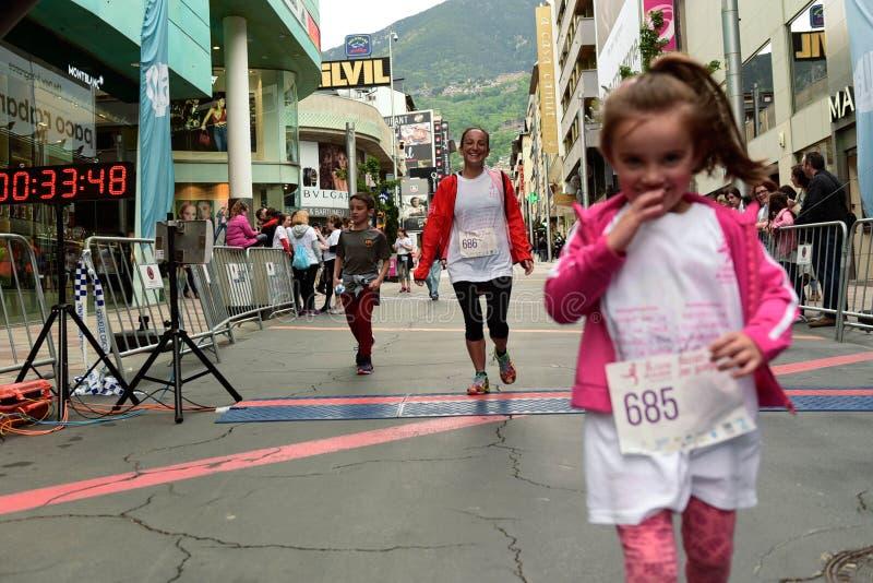 Carrera 8va Cursa de la dona en Escaldes Engordany, Andorra fotos de stock