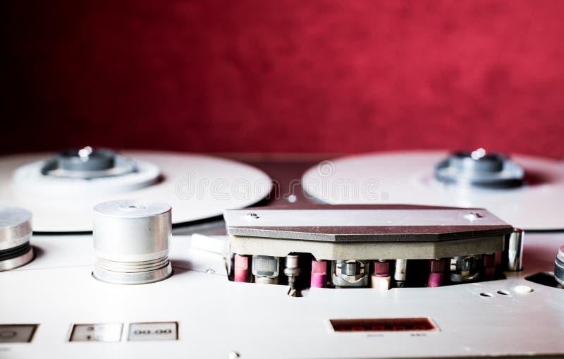 Carrete de la grabadora sana del vintage y detalle profesionales de la cabeza foto de archivo libre de regalías