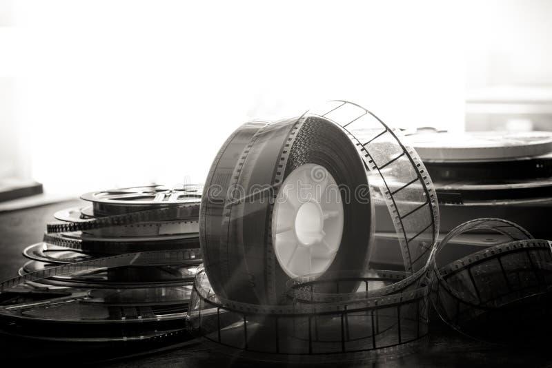 carretel de filme de 35 milímetros, objetos do filme do vintage imagem de stock