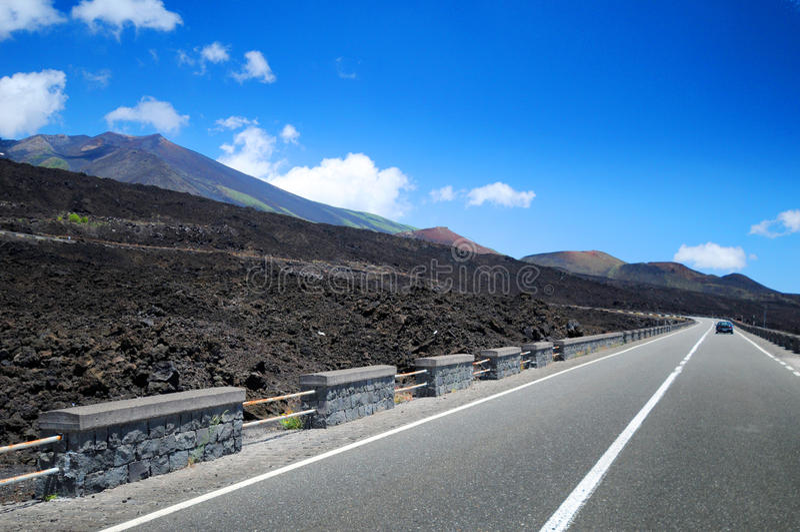 Carretera cerca de Mt. el Etna, Sicilia fotos de archivo libres de regalías