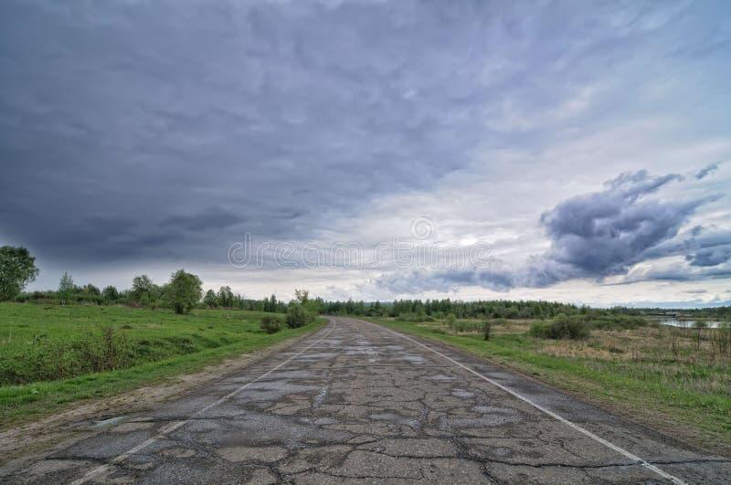 Carretera de asfalto fotografía de archivo libre de regalías