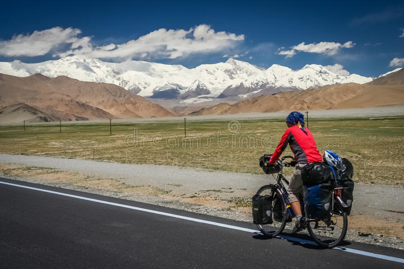 Carretera de ciclo de Karakorum foto de archivo libre de regalías