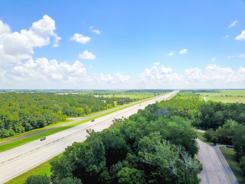 Carretera de la autopista 10 de la visión aérea cerca de la zona de descanso de Tejas a L imagen de archivo libre de regalías