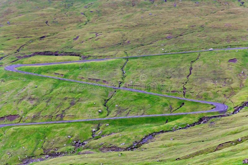Carretera de la montaña de la montaña rusa imágenes de archivo libres de regalías