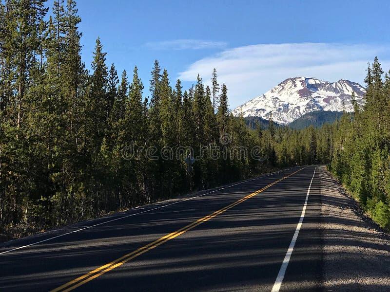 Carretera de los lagos cascade fotos de archivo libres de regalías