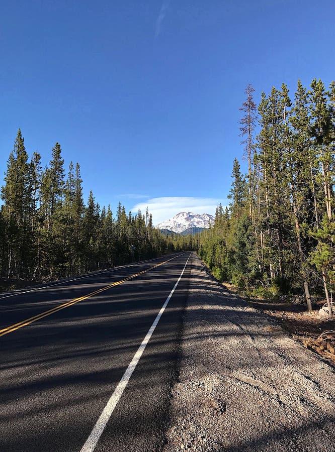 Carretera de los lagos cascade fotos de archivo
