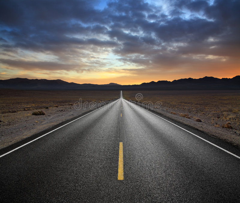 Carretera del desierto fotos de archivo libres de regalías