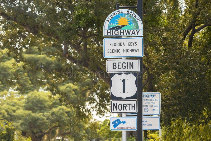 Carretera 1 en Key West, la Florida imágenes de archivo libres de regalías