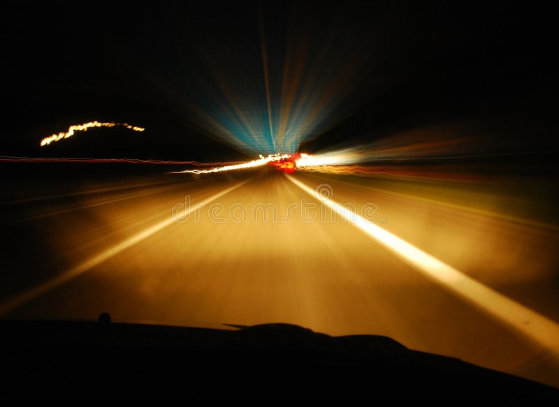 Carretera en la noche fotografía de archivo libre de regalías