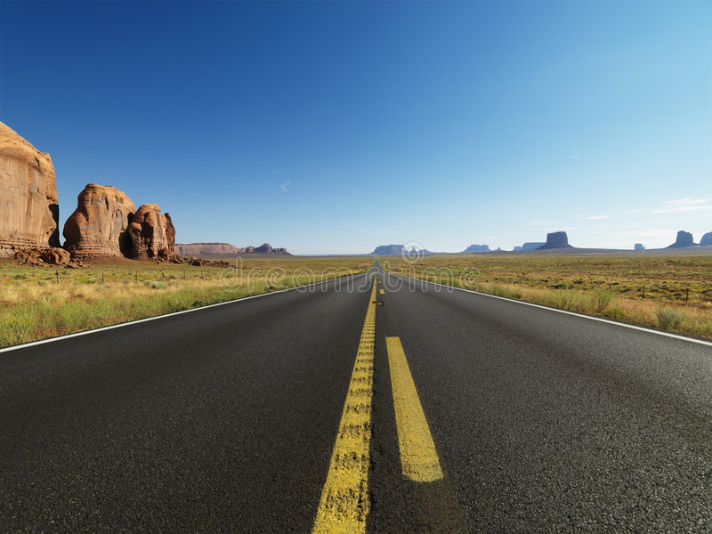 Carretera escénica del desierto. foto de archivo libre de regalías