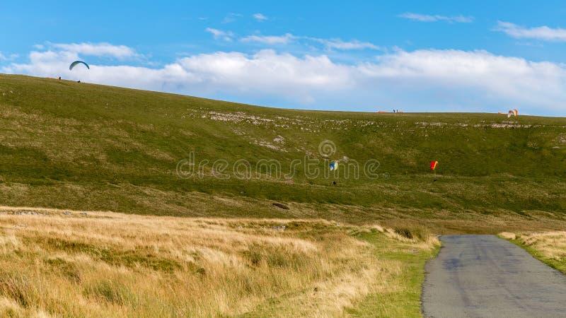 Carretera nacional y paisaje de los valles de Yorkshire, Reino Unido foto de archivo libre de regalías