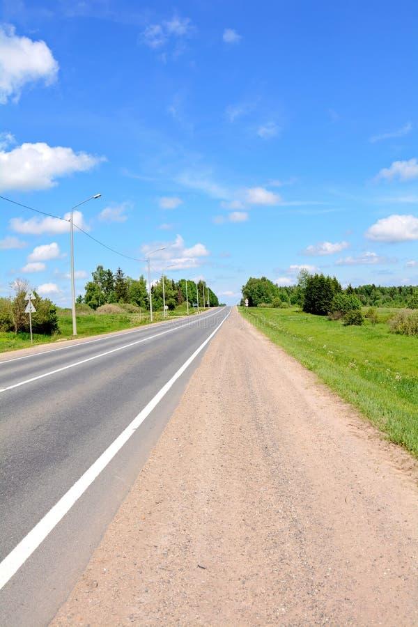 Carretera pavimentada fotos de archivo libres de regalías