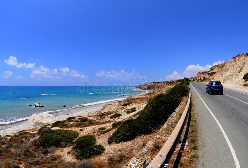 Carretera sobre la playa foto de archivo