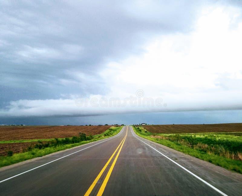 Carretera tempestuosa fotos de archivo libres de regalías