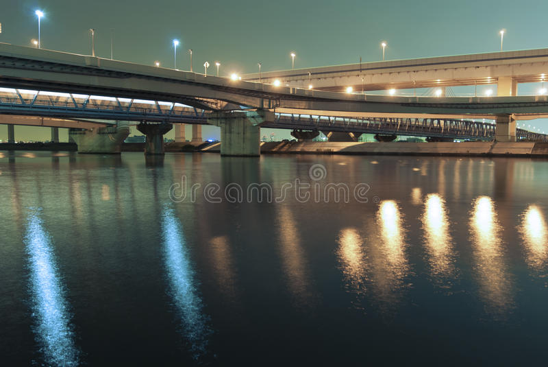 Carreteras de la noche fotos de archivo