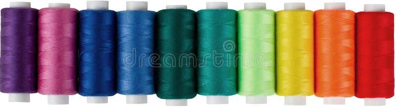Carretes multicolores de la cuerda de rosca fotos de archivo libres de regalías