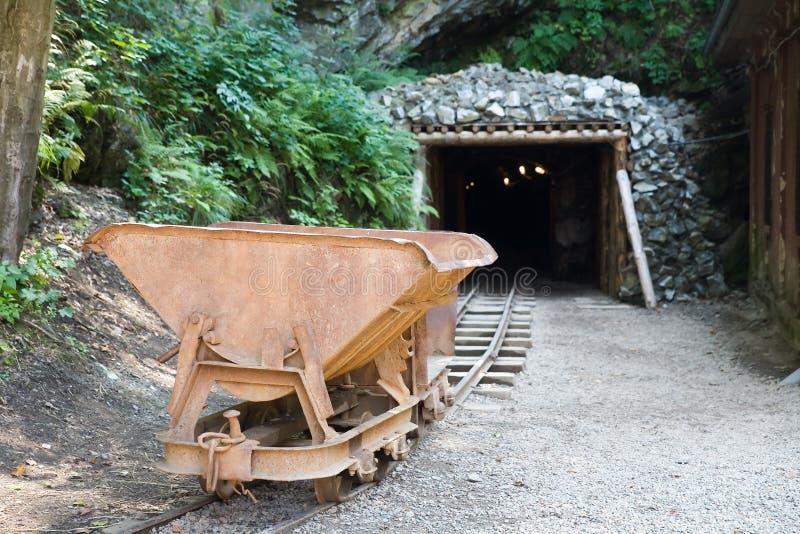 Carretilla de la mina foto de archivo libre de regalías