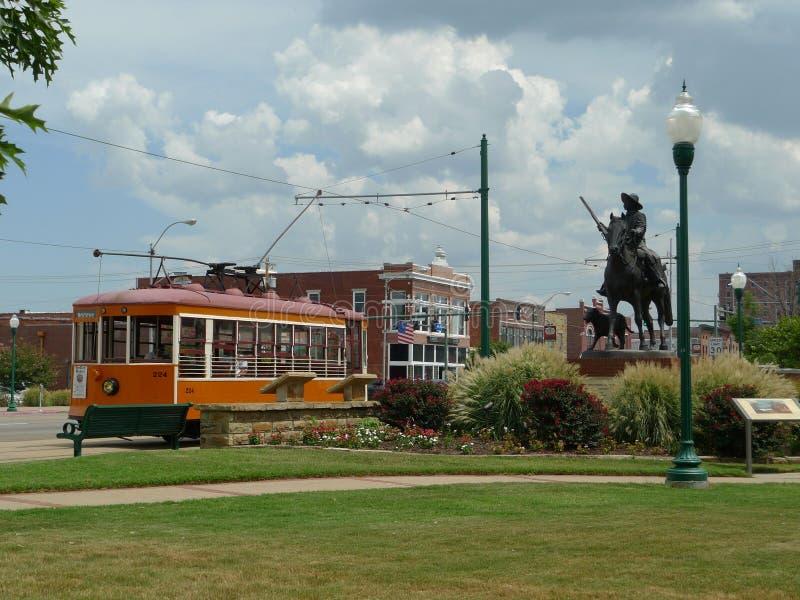Carretilla en el camino, Fort Smith, Arkansas imagen de archivo libre de regalías