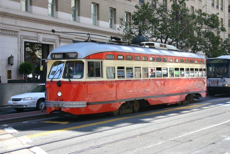 Carretilla roja en San Francisco imágenes de archivo libres de regalías