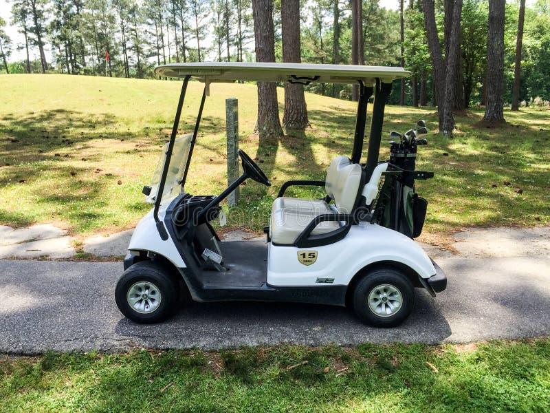 Carretto di golf immagini stock