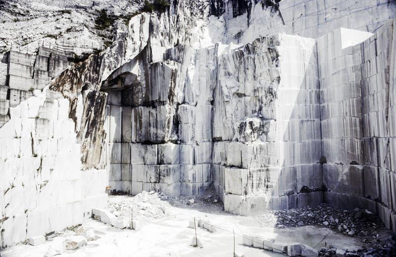 Carrière de marbre de Carraran images stock