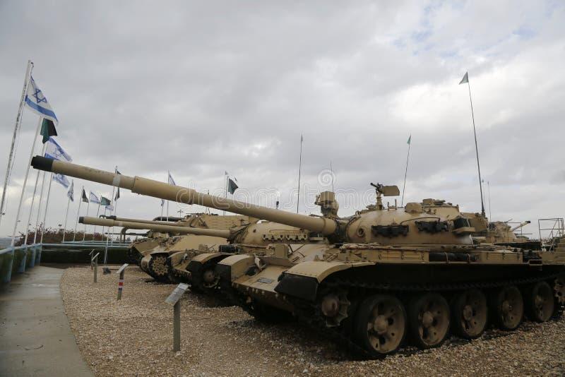 Carri armati d'annata su esposizione al museo corazzato del corpo della La-Shiryon di Yad a Latrun fotografie stock libere da diritti