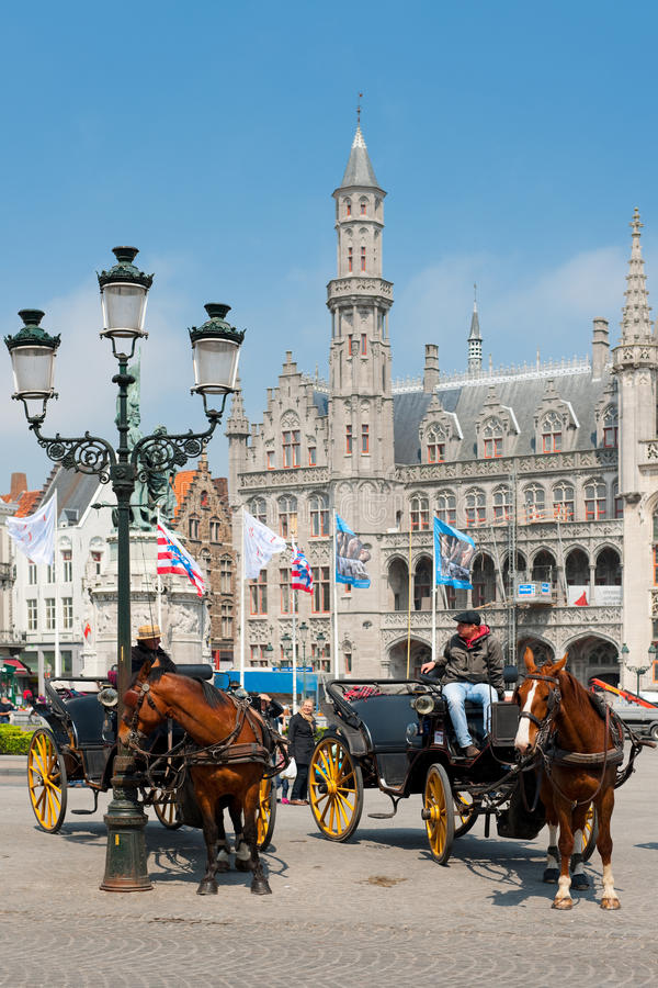 Download Carriages With Cabbies In Bruges Editorial Photo - Image of guest, sidewalk: 28267241