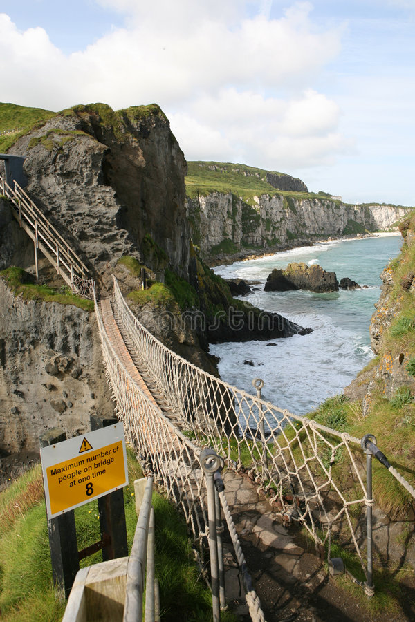 Free Carrick-a-Rede Rope Bridge Royalty Free Stock Photo - 3862765
