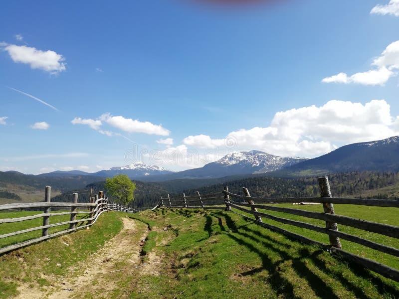 Carril de la montaña imagen de archivo