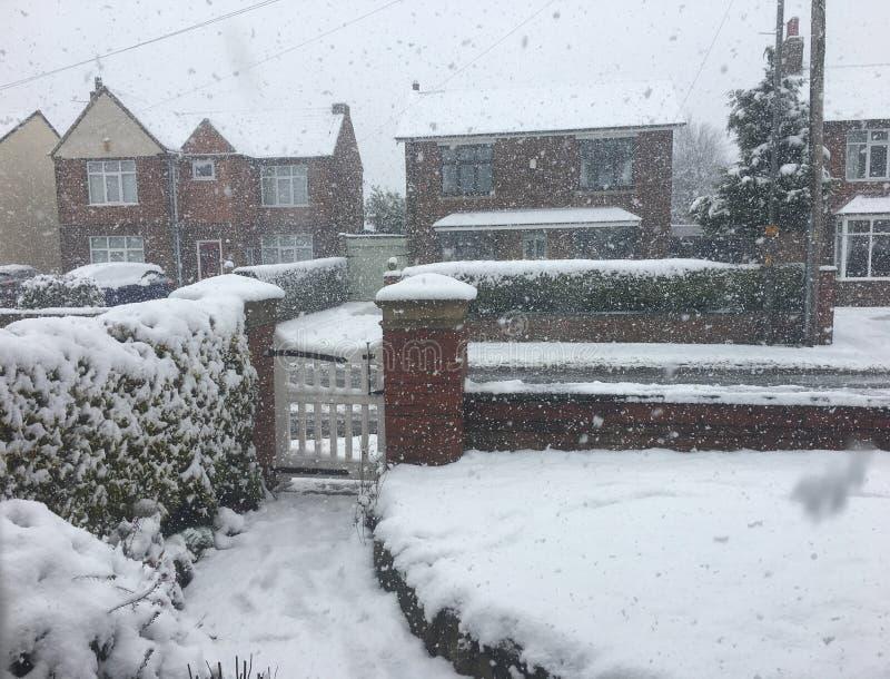 Carril del hipódromo en nieve del invierno foto de archivo