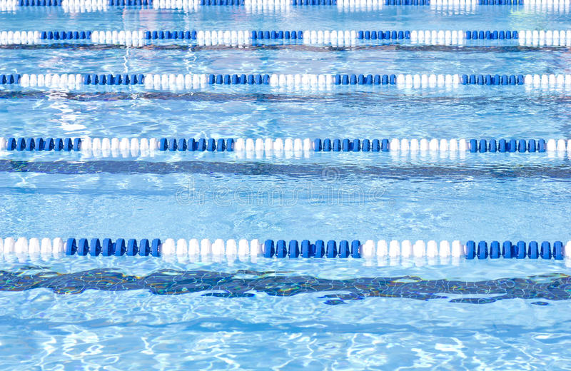 Carriles de la piscina fotos de archivo libres de regalías
